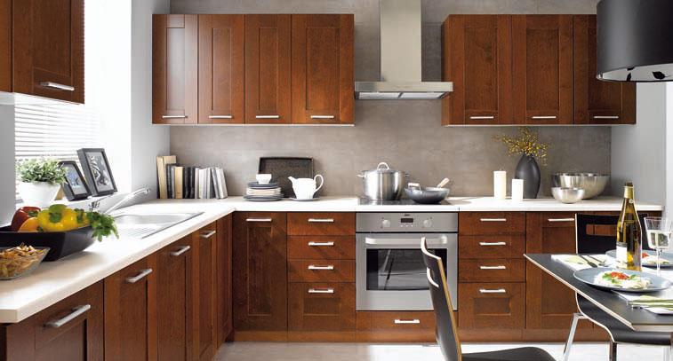 kranzleiste kuche kchen makeover little kitchen make over jetzt hat die kche noch ihre. Black Bedroom Furniture Sets. Home Design Ideas